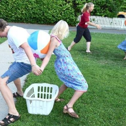 A Couple of Fun Outside Games For Buddies and Family