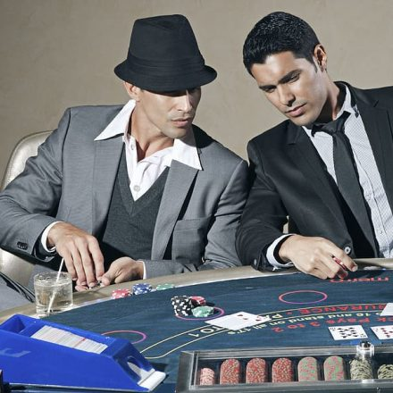 Play the famous casino games online